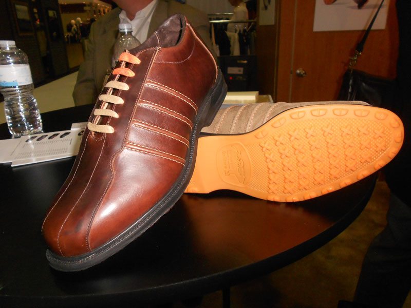 Part of Allen Edmonds' Jack Nicklaus Collection, the Desert Mountain model features contrast stitching and a removable sole to allow for custom orthotics.