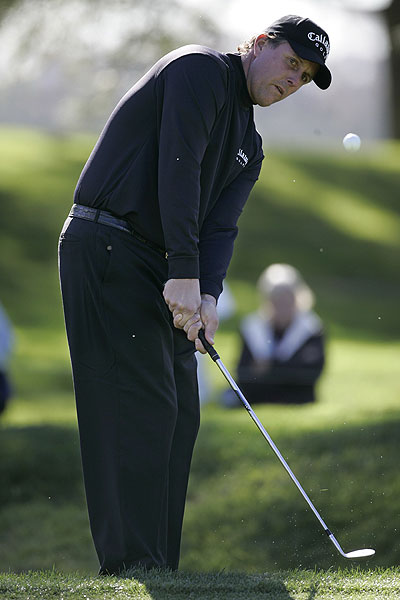 Mickelson depends on his short game magic                           Phil Mickelson made his PGA Tour debut this weekend, and his swing appeared to be a bit rusty. He hit only 61.1% of the greens in regulation at Torrey Pines, but thanks to a scrambling percentage that ranked third for the week (75%), he was still able to snare a tie for sixth place.