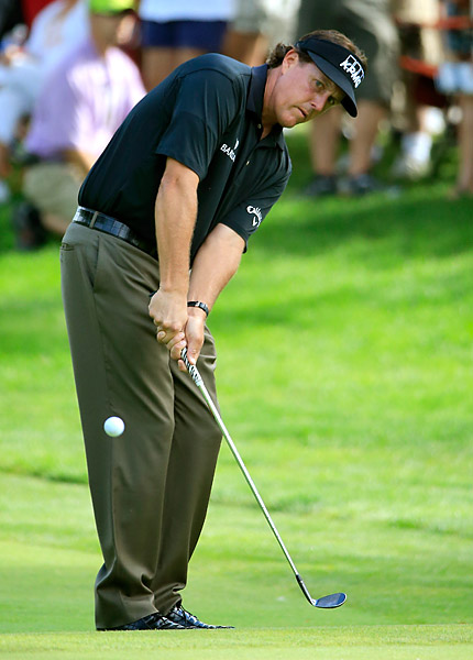 Phil Mickelson's struggles continued on Friday with a one-over 71.