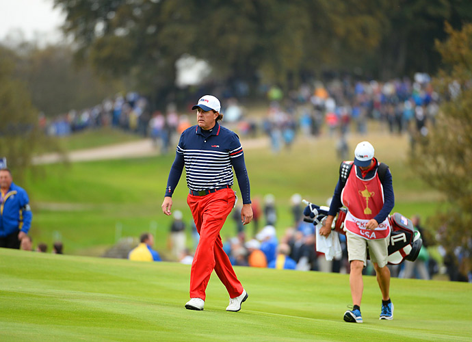 Phil Mickelson defeated Stephen Gallacher 3 and 1