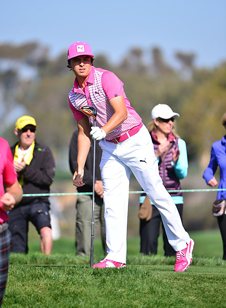 Rickie Fowler struggled to a five-over 77 on Thursday.