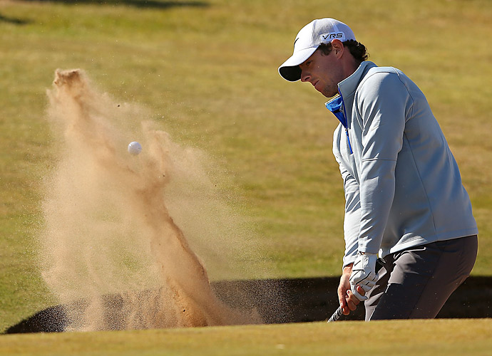 McIlroy found trouble in one of Royal Aberdeen's pot bunkers on Friday.