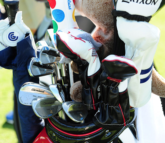 Russell Knox's colorful bag includes Cleveland 588 RTX wedges.