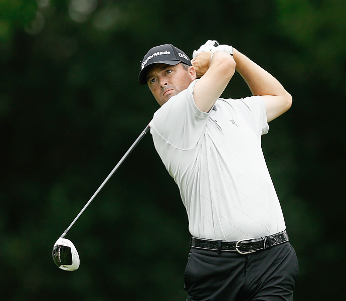 Ryan Palmer shot an impressive eight-under 62 to take the first-round lead.