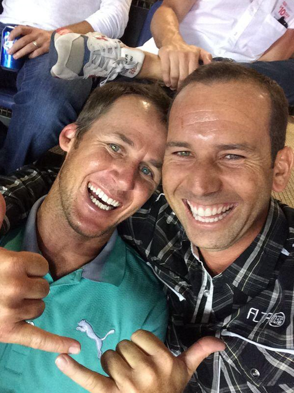 @TheSergioGarcia Enjoying the game with @mavandnash! pic.twitter.com/QjDCjLcnE7