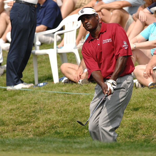 Low Scores, Surprisingly High Finish                       Only three players shot all four rounds in the 60s at the 2007 EBS Byron Nelson, Scott Verplank (67-68-66-66), Luke Donald (67-66-67-68) and Vijay Singh (69-67-69-69), who interestingly finished well off the lead at T13.                                              • See Vijay Singh's complete results and stats