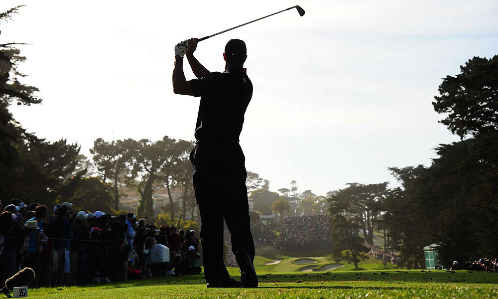 On Friday, Tiger Woods grabbed a share of the U.S. Open lead with a second-round 70 at San Francisco's Olympic Club.
