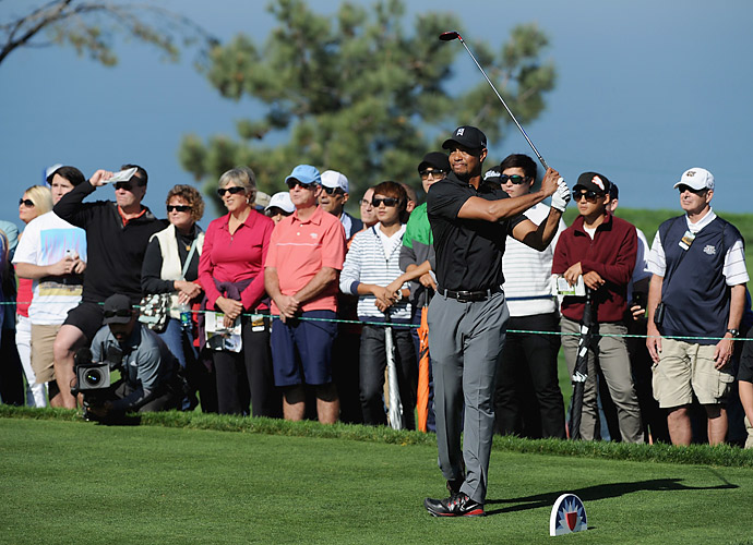 Tiger Woods struggled mightily in Saturday's third round, shooting a 79.