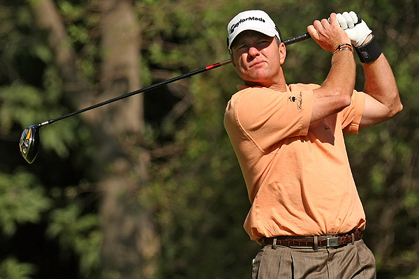 3. Verplank's below-average driving is still great                       Scott Verplank led the field at Riviera in driving accuracy, hitting 78.57% of the fairways — and he had an off week! For the season, Verplank leads the Tour in driving accuracy, hitting the fairway 84.96% of the time. His fifth-place finish at the Northern Trust Open was his first top 10 of the season in three starts. In case you're wondering, the Texan's tool of choice is a TaylorMade r7 425 TP.
