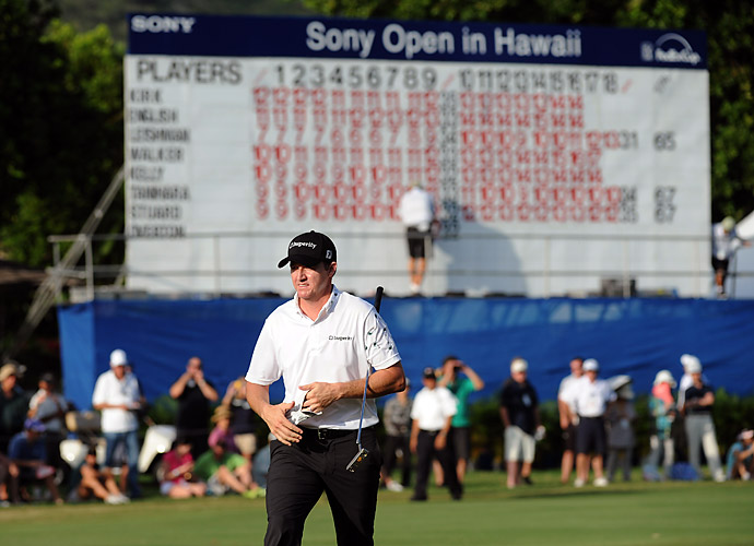 Walker climbed to the top of a crowded Sony Open leaderboard as a total of 19 players earned a Top 10 finish, with 12 finishing T8 at 10-under.