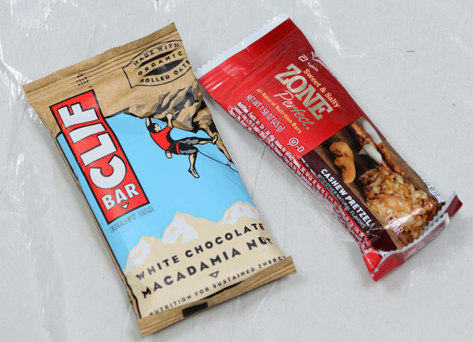 Energy bars are a smart way to keep a good round going.