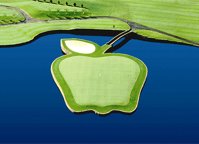 Apple Tree Resort, Yakima, Wash., Hole 17, 180 yards, par 3: Winding its way through a Washington Delicious apple orchard, this aptly named layout waits until the 17th to reveal the best of the bunch. This sweet one-shotter plays to an apple-shaped green guarded back-left by a bunker that resembles a leaf. The entire green complex connects to dry land via a stem in the form of a 50-foot walk bridge.