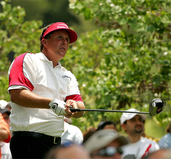 Phil Mickelson, in his first tournament with new instructor Butch Harmon, finished three strokes back from Verplank.