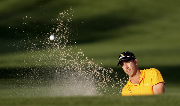 Ogilvy started his second round on the back nine, and he quickly moved into the lead with seven birdies and a bogey. But a double bogey on No. 2 and a bogey on No. 4 stalled his momentum.