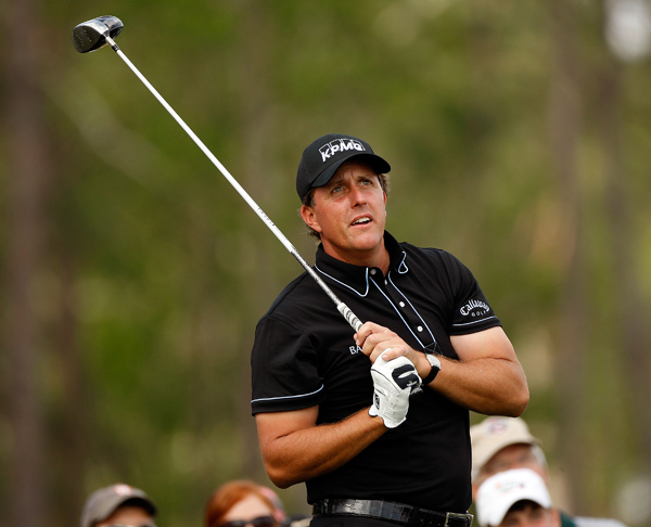 Phil Mickelson missed the cut after rounds of 77-76.