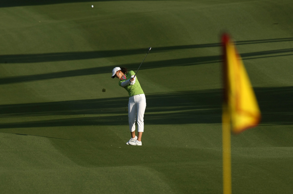 Michelle Wie fell to last place after her second straight 81.