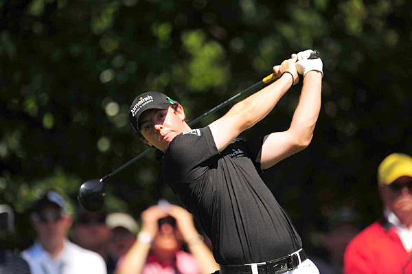 Rory McIlroy grabbed the early clubhouse lead with a 7-under 65.