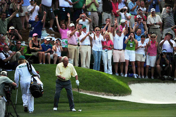 Palmer thrilled the patrons when he drained a long putt on the final hole.