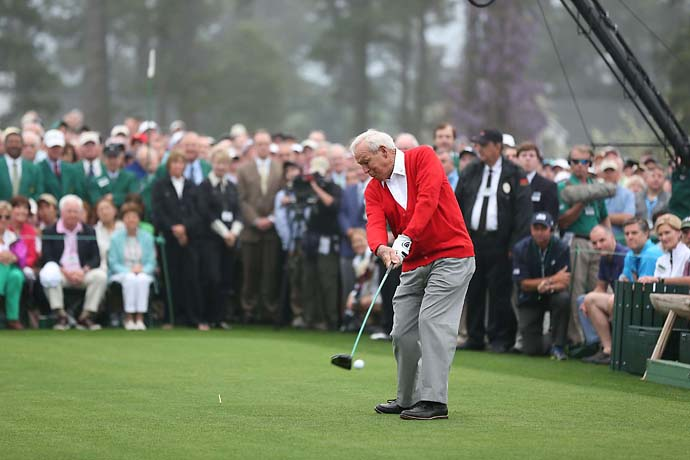 Arnold Palmer hits the ceremonial first tee shot at the 2013 Masters.