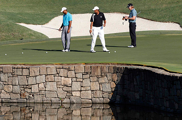 Woods played with Hunter Mahan and Arjun Atwal on Wednesday.
