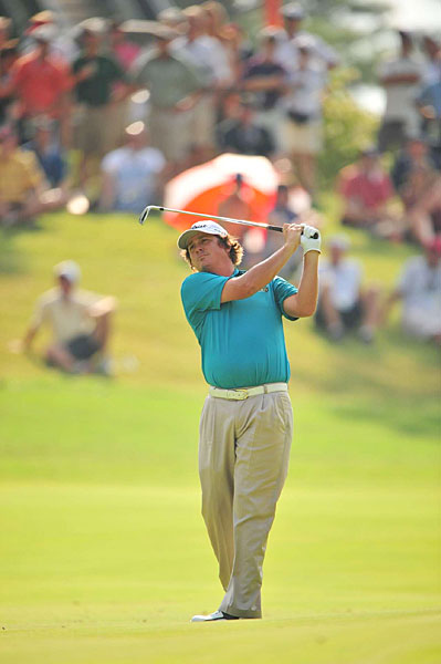 Jason Dufner birdied Nos. 15 and 16 to grab a share of the lead with Steele.