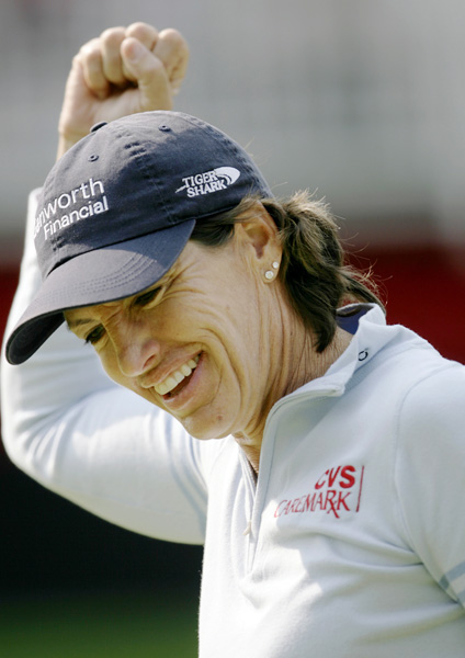 Juli Inkster made a birdie on 18 to shoot a five-under 66.
