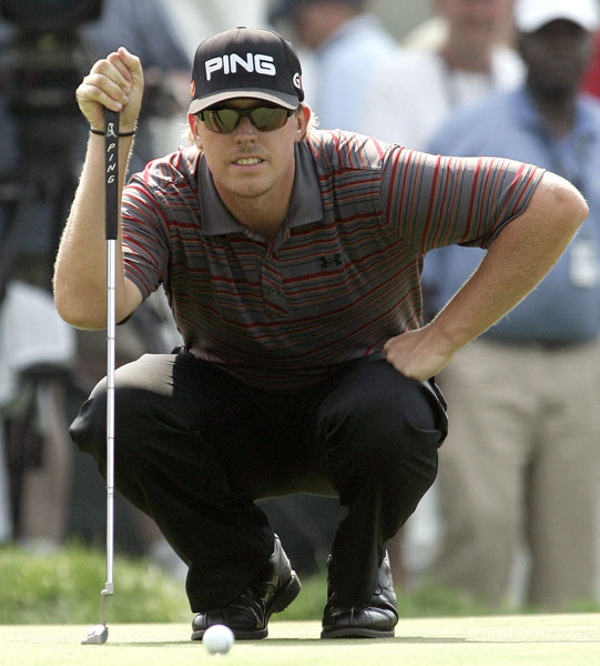 Hunter Mahan tied the course record with a nine-under 62. It was the lowest round at Westchester in 25 years.