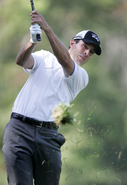 Mike Weir made seven birdies and one bogey to shoot a 65.