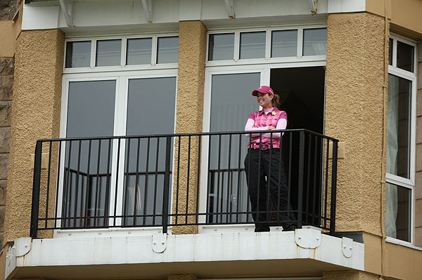 Paula Creamer, who finished T7, watched the leaders go by her hotel room.