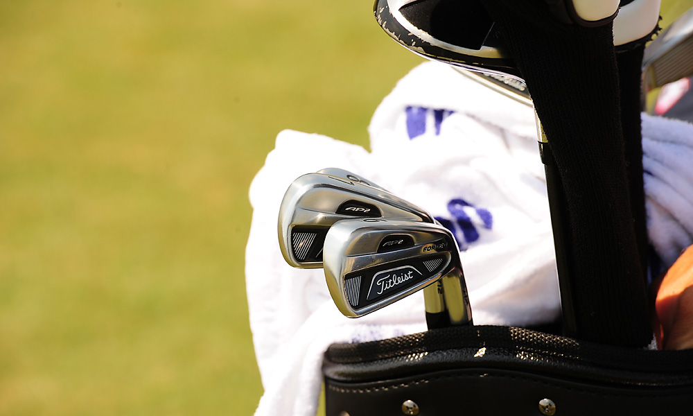 Jason Dufner uses Titleist's Forged 712 AP2 irons. A complete list of Dufner's clubs is here.