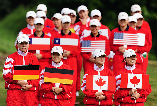 Ball spotters lined up during the first round of the Omega Mission Hills World Cup in China on Thursday.