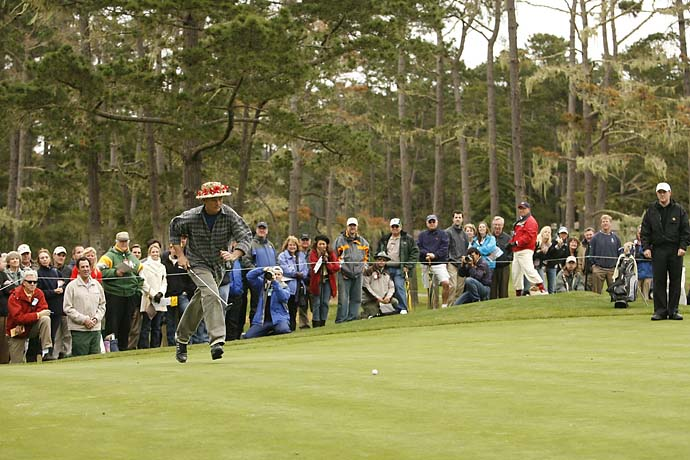 Bill Murray runs toward his golf ball at the 2007 AT&T Pebble Beach National Pro-Am.