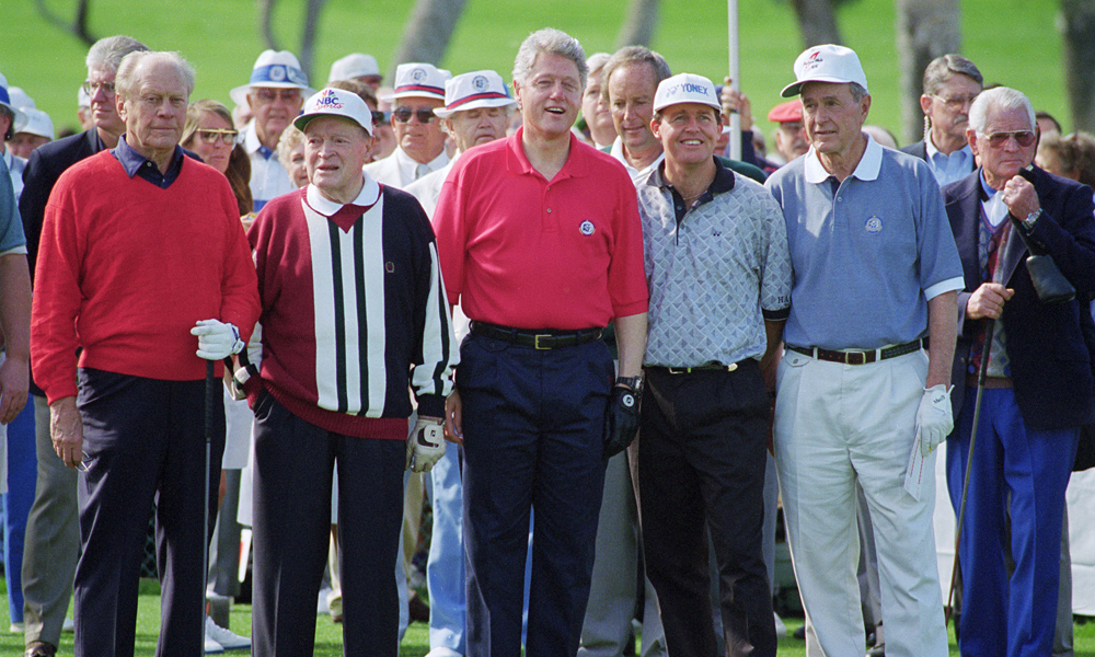 Clinton with Gerald Ford, Bob Hope, defending champ Scott Hoch and George H.W. Bush at the 1995 Bob Hope Classic.