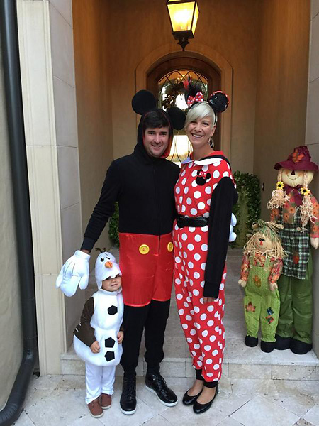 "The Watsons got into the Halloween spirit. Bubba: ""Monster Mash at Isleworth. #MickeyMouse #MinnieMouse #Olaf"""