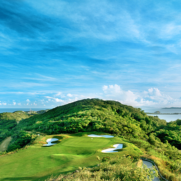 The Donald's Courses                                              Trump International Golf Club, Raffles Resort Canouan Island, The Grenadines                                              OPENED 2002                       ARCHITECT Jim Fazio                       PAR 72 (6,483 yards)                       GREENS FEE $200 (guests)                       RANKING Unranked                       Rooms at the resort cost from $500 to $4,500 a night, and a Trump Villa on the property sells for about $4 million. The course is dramatic, with tees built on cliffs and greens 90 feet or more below. It would be difficult to                       play a round with only one ball as the ravines and the plants gobble up stray shots. Meals are formal and slow. Guests tend to eat, drink and sleep.