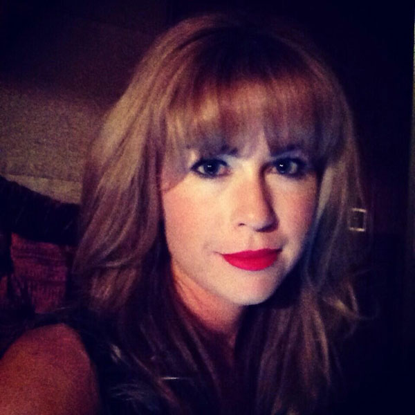 @ThePCreamer: Red lips....big hair....