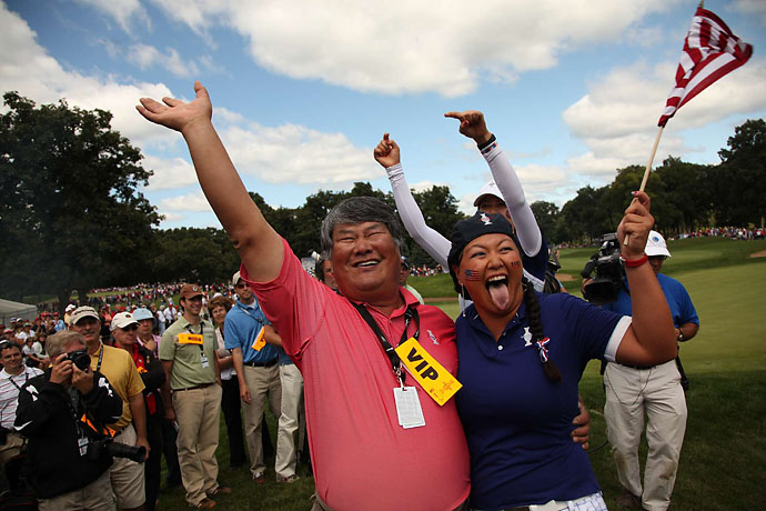 Christina Kim with her father Rich at the 2009 Solheim Cup in Sugar Grove, Ill.