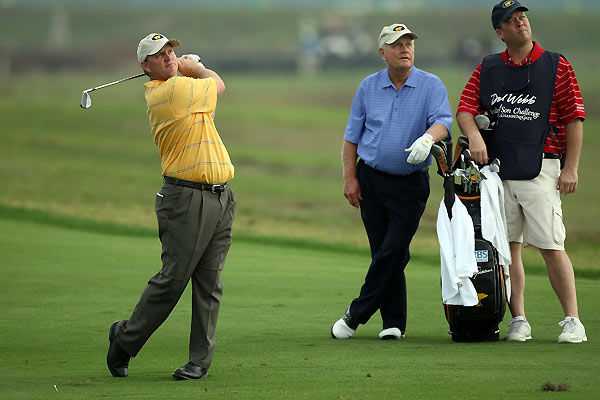 Jack Nicklaus watched his son Gary Nicklaus at No. 15.