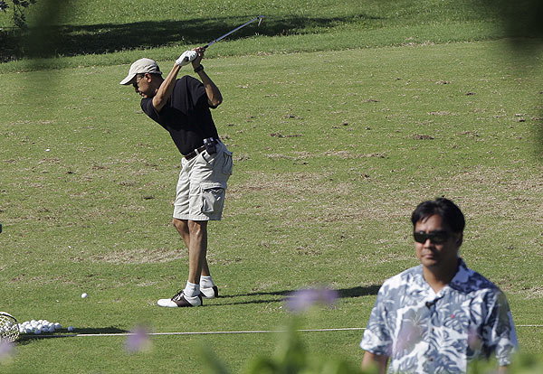 Obama golfs again                           President-elect Barack Obama hit the course again on Wednesday, Dec. 24 at Mid Pacific Country Club in Kailua, Hawaii, with secret service agents in tow.                           Read more about the course