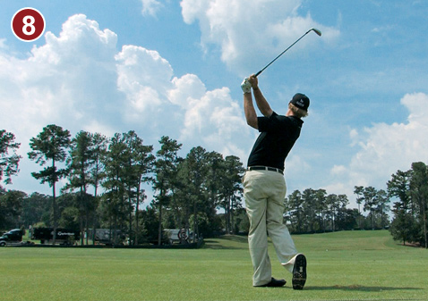 8. Mahan's finish is beautifully balanced. His entire body faces the target with all his weight on his left leg. Keeping the clubshaft pointed toward the sky is the final telltale fade trait. This is an incredibly easy way to swing the club and get great results.  Near-vertical shaft position is the classic finish for a fade.