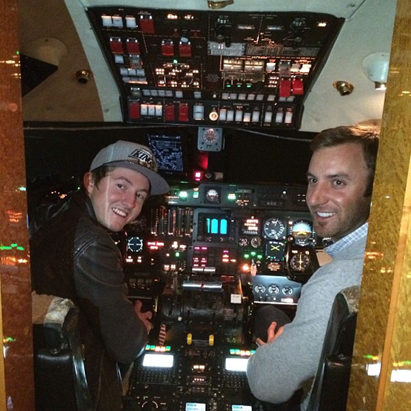 @djohnsonpga: @tygretzky flying the plane to Vegas