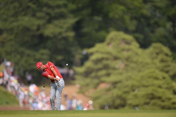 Dustin Johnson dropped out of contention after a 77.