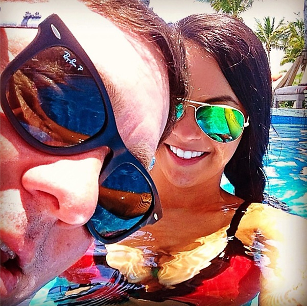 #photobomb #selfie at #bakersbay #pooltime