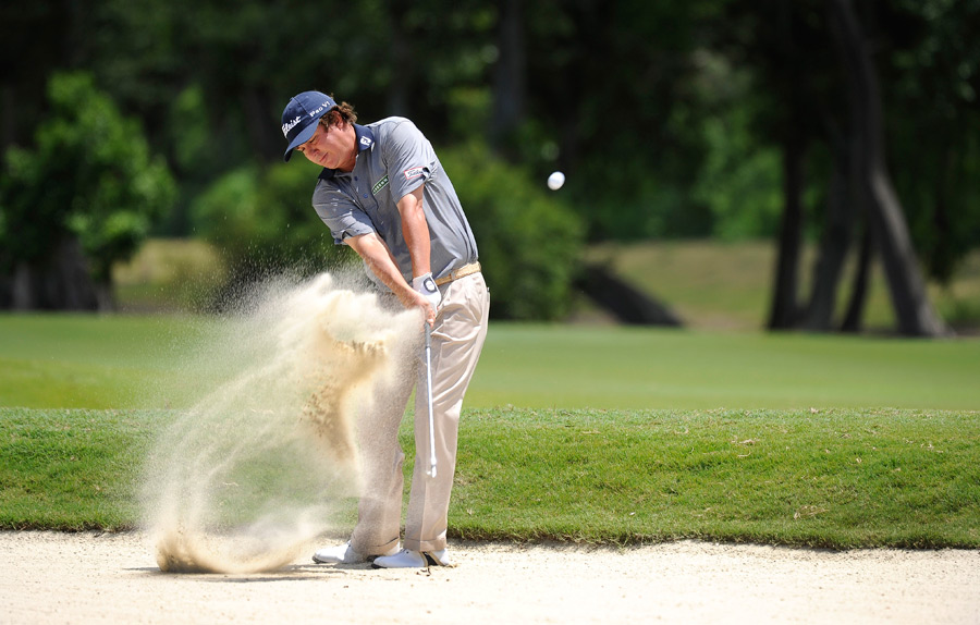 Jason Dufner birdied two of the last four holes to build a two-shot lead heading into the final round.