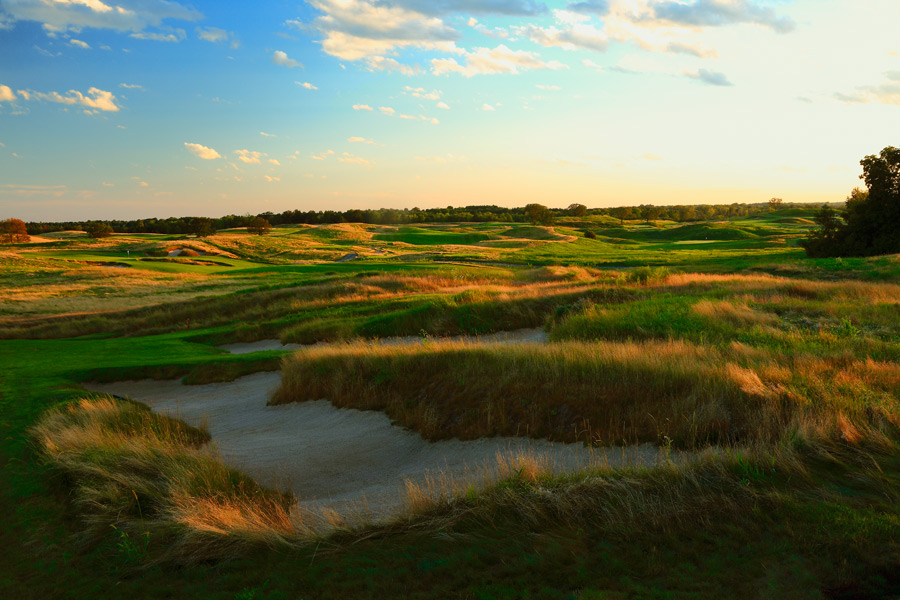 Here is a sampling of the best courses you can play in the Midwest. A complete Midwest list, plus the best courses in every state, is here.Erin Hills Golf Course Erin, Wis. -- $200, erinhills.com