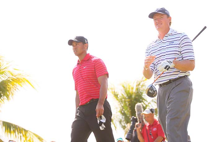 Ernie Els with his longtime rival Tiger Woods at Doral in 2009.