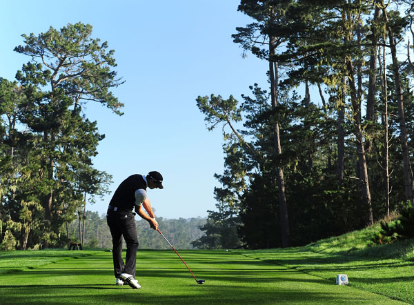 made two eagles on his way to an eight-under 64 at Spyglass Hill.