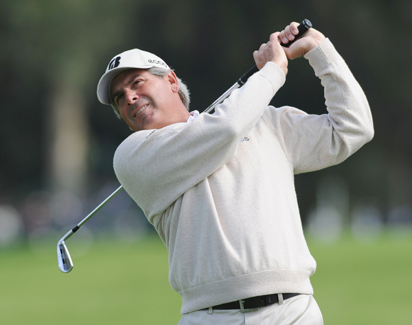 Fred Couples couldn't maintain his lead, but he is only one shot off the lead.