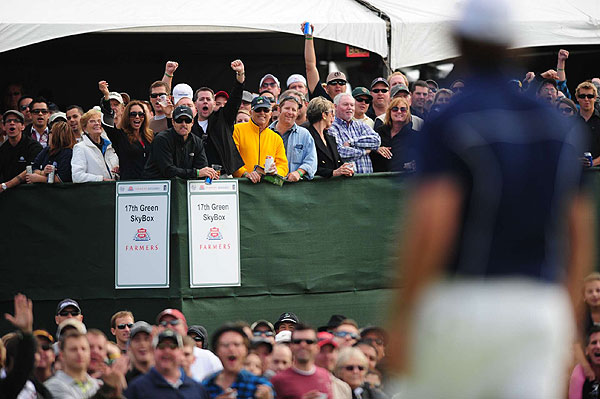 Lefty may be embroiled in wedge controversy, but that didn't stop the fans from going wild for him at Torrey Pines.