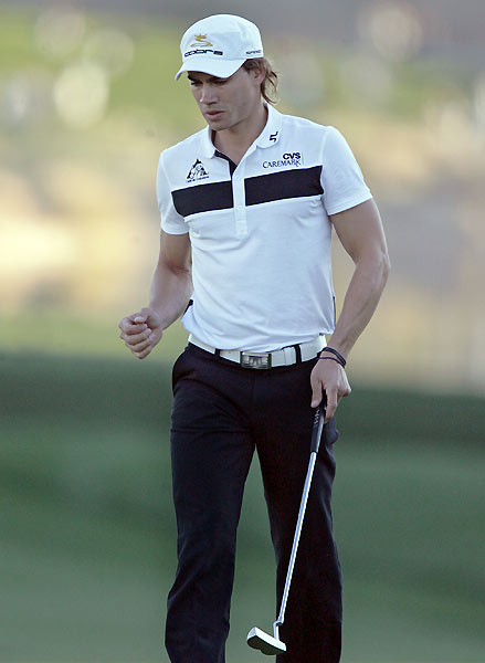 Camilo Villegas birdied five of seven holes to tie for the lead.